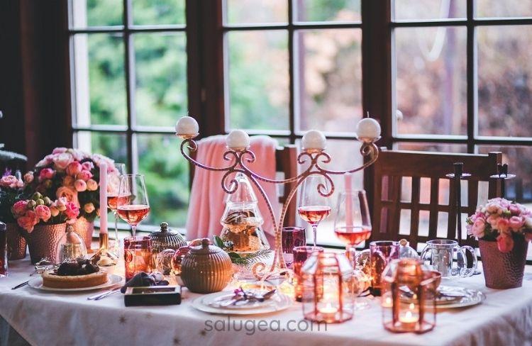 come decorare la tavola natalizia